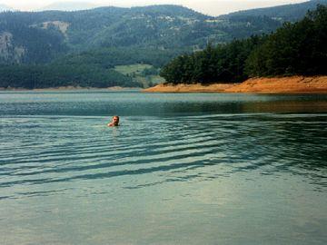 Στη λίμνη Πλαστήρα για μπάνια